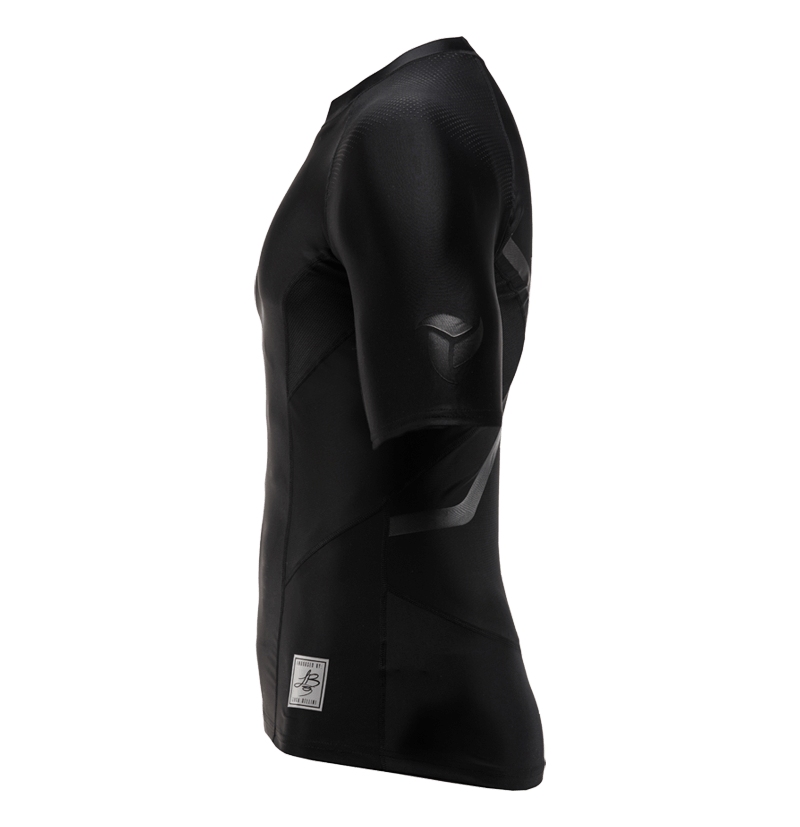 Total Black S/S Rash guard